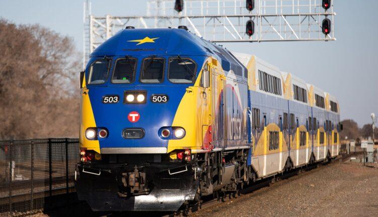 d2a80a-20210405-northstar-train-01-2000.jpg