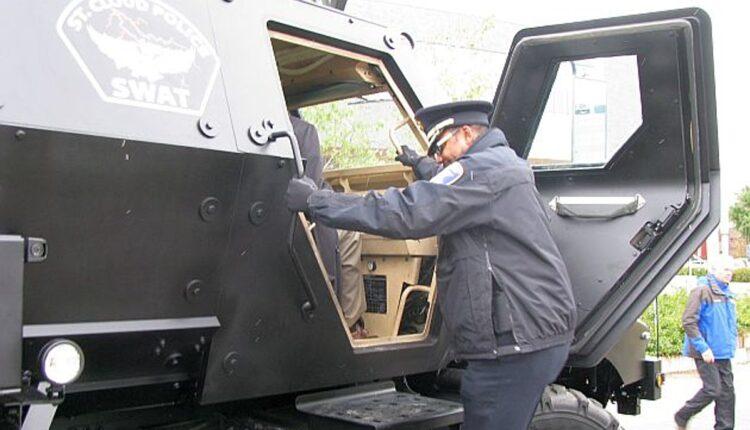 SWAT-Vehicle-004.jpg