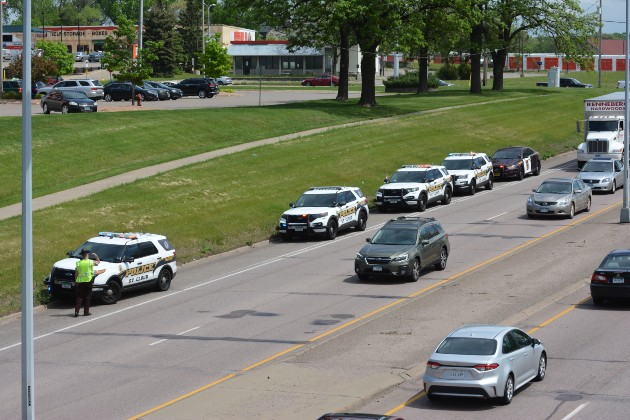 cops-on-highway-23-suspect-chase.jpg