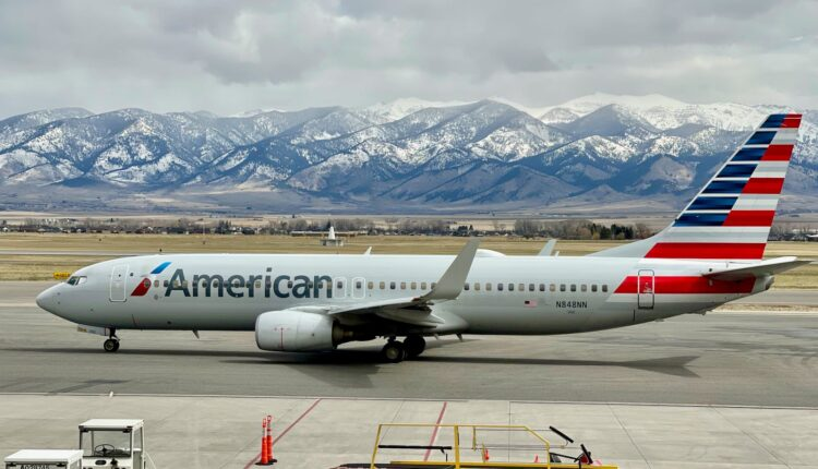 American-Airlines-Boeing-737-800-Zach-Griff-1.jpeg