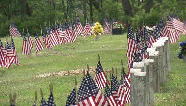 MemorialDay-cemeteryFlags2-WDIO.jpg