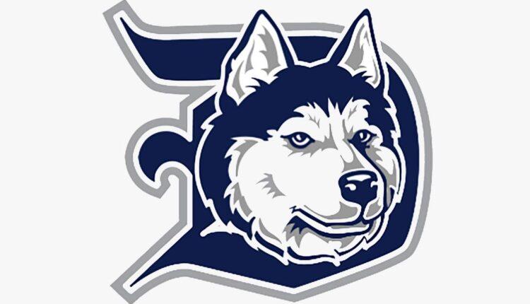 Duluth-Huskies-logo.jpg