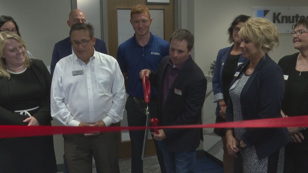 Knutson Construction cuts ribbon at new Mankato office