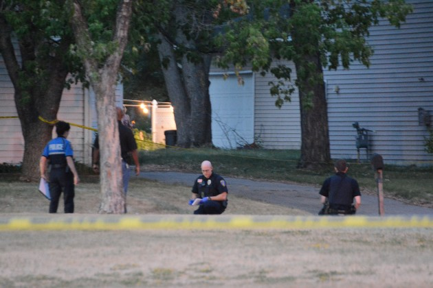 cops-at-shooting-12th-ave-se-9th-ave-se.jpg