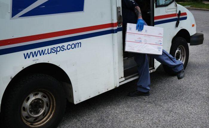 postal-worker-700×467-1.jpg