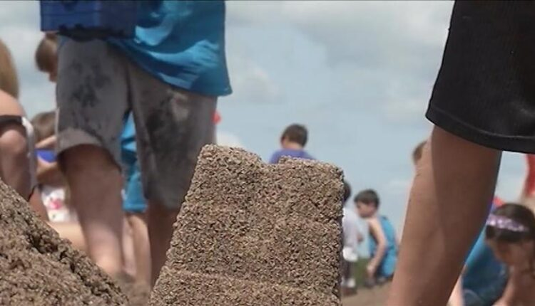 Sand_sculpting_contest_part_of_water_safety_week_in_Duluth-syndImport-055714.jpg