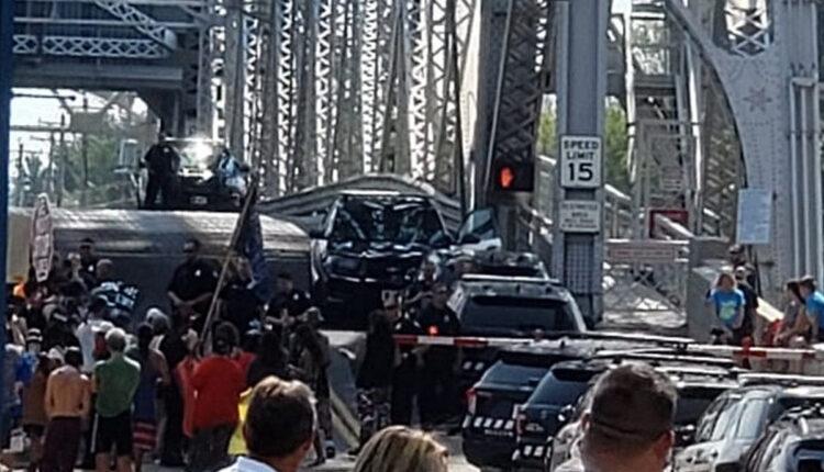 attachment-Duluth-Lift-Bridge-Protest-Line-3-August-19-2021-Derek-Ingvaldson1.jpg