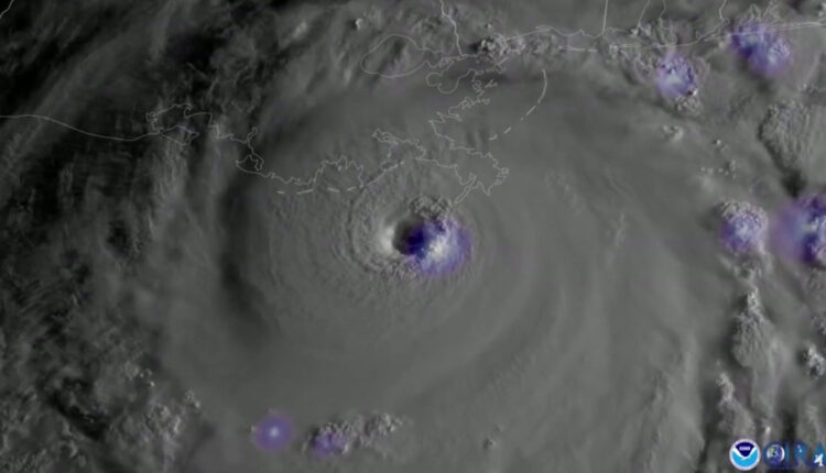 SUN10-PKG-Hurricane-Ida_WCCO05CL.jpg