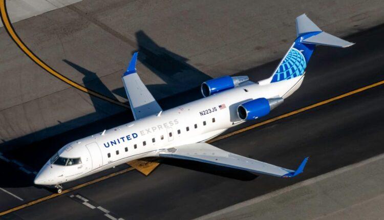 United-Express-Mitsubishi-CRJ-200LR-N223JS-4-1200×800.jpg