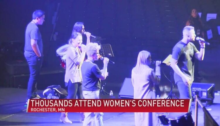 Rochester_welcomes_thousands_to_the_Thrive_Womenrsquos_Conference_-syndImport-055618.jpg