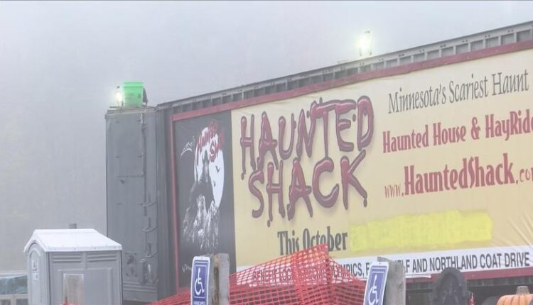 It39s_spooky_at_the_Haunted_Shack_Open_for_its_28th_season-syndImport-054631.jpg