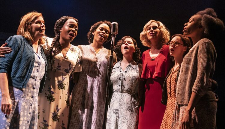 the-cast-of-girl-from-the-north-country-on-broadway-photo-by-matthew-murphy-0170.jpg